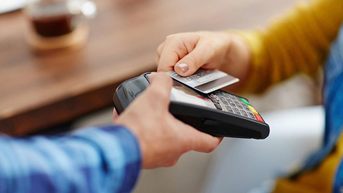 Cos'è il plafond della carta di credito nel noleggio auto?