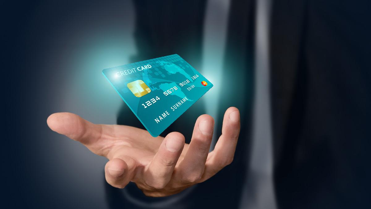 Noleggio auto con carta di credito altrui: si può fare?